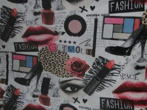 Decoratie D504 ecru lipstick rood glamour make-up