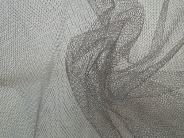 Tule stof grijs