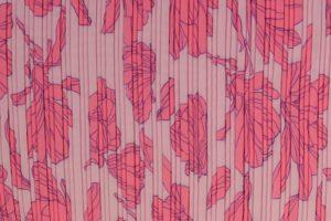 Q4850-plisse-stof-bloemen-roze