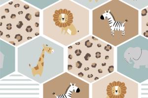 Tricot katoen stof, vakjes met jungle dieren en dierenprintjes, lichtbruin/lichtblauw/ecru/wit/dusty groen. Q5539